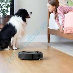 iRobot Roomba i7 làm sạch lông thú cưng