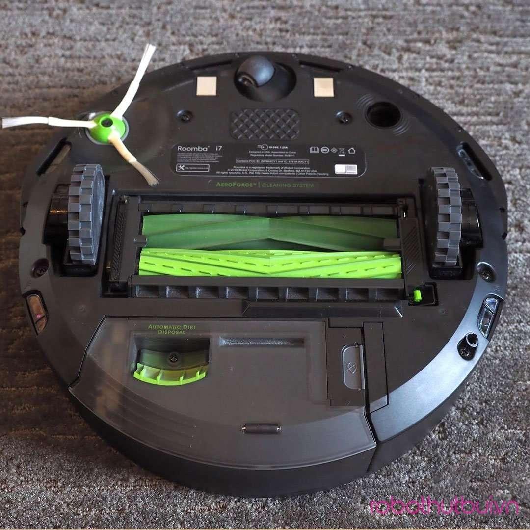 iRobot Roomba i7 Plus